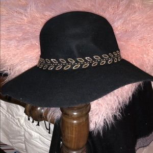 •NWT• Black Floppy Hat